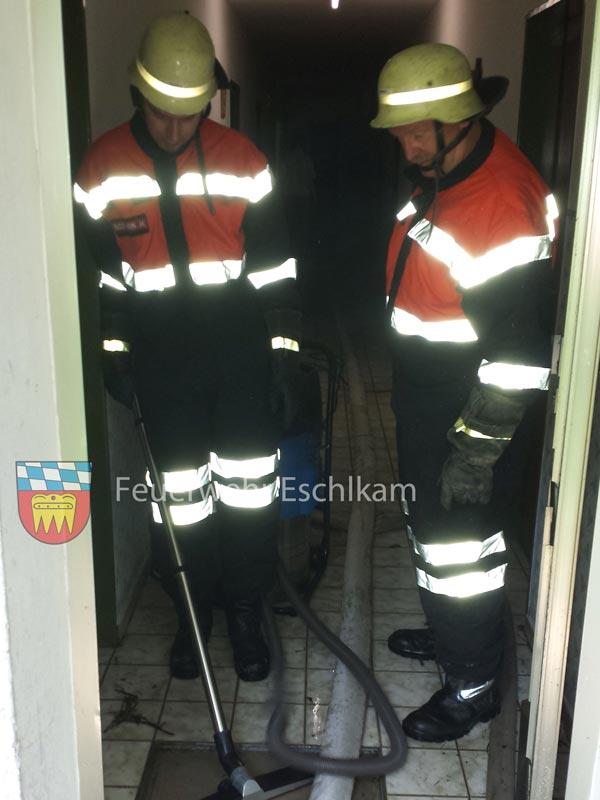 Kellergang-absaugen