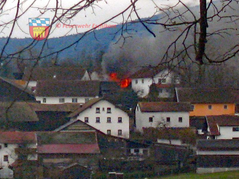 Scheune-in-Flammen