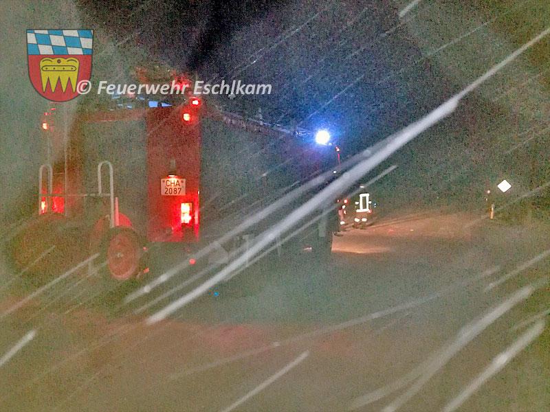 Verkehr-umleiten-Schneetreiben