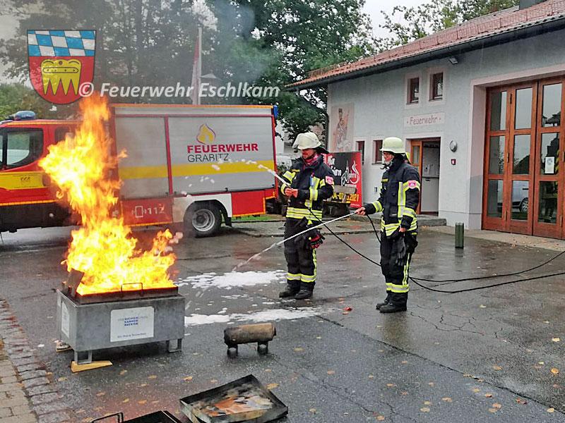 Benzinbrand-loeschen