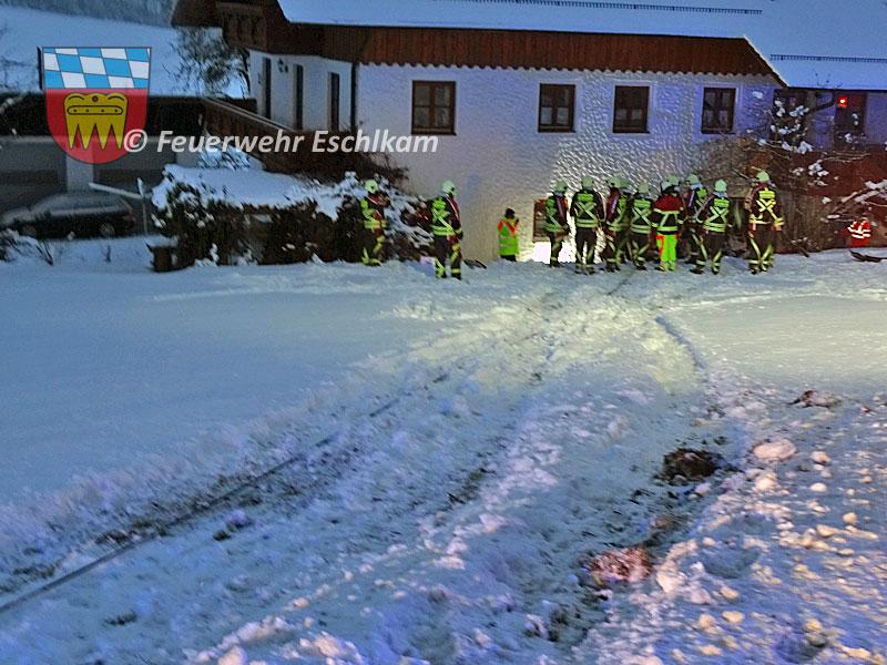 Schleuderspuren-im-Schnee
