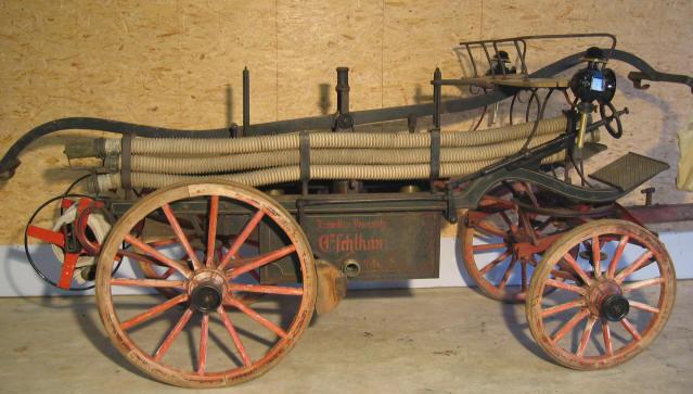 Die historische Saug- und Druckspritze aus dem Jahr 1894 ist noch heute funktionstüchtig.