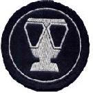An der Uniform ist der Atemschutzgräteträger an diesem Aufnäher am Ärmel zu erkennen.