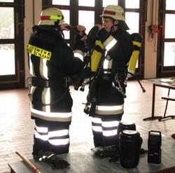 Anlegen der Atemschutzausrüstung